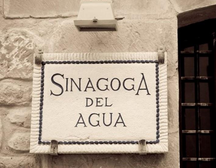 Sinagoga Del Agua La Celebración Del Solsticio Y La Creación Autorenting